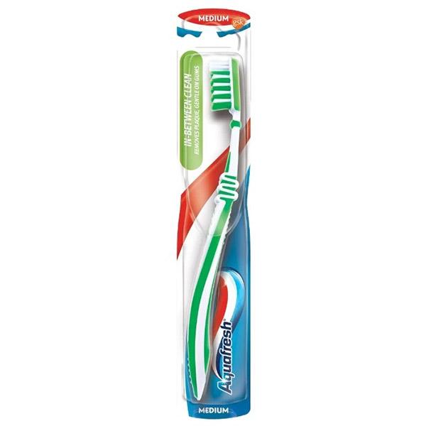 Зубная щётка Аквафреш  In-between clean (Средняя жёсткость)